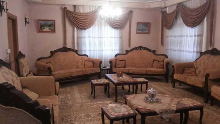 مساحه الارض 650 م ومسطح البناء 240 م 4 واجهات حجر قوشان مستقل على...