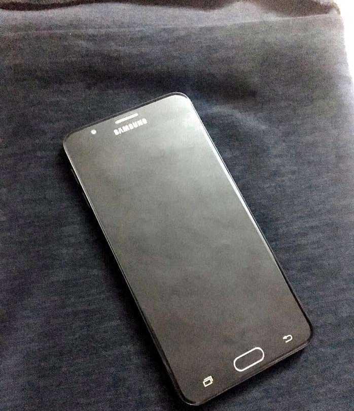 Samsung Galaxy S9-  التلفون بحالة وكاله بعدو...