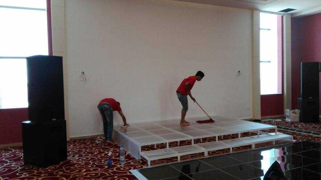 اعمال التنظيف بعد الدهان للمنازل و المكاتب و الشركات وجلي البلاط...