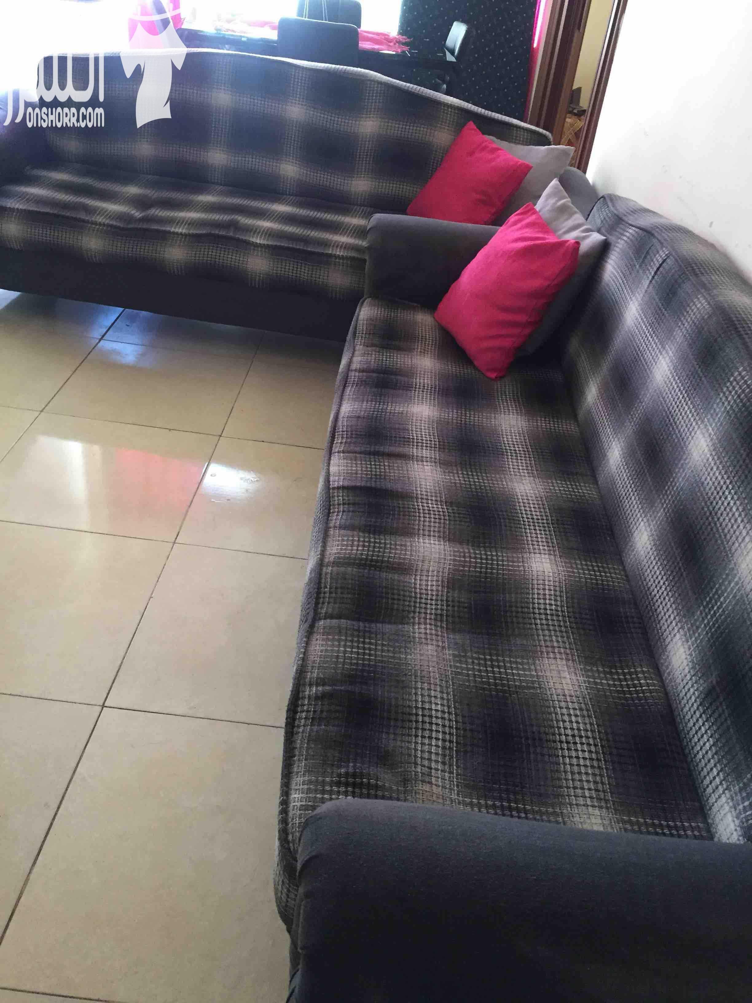 Furniture buyer in Dubai-  صوفا عدد 2 استعمال خفيف...