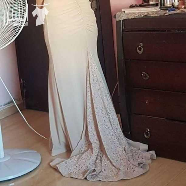 (SHERRY HILL) <br>Evening dresses and weddings <br>The most powerful offers on the occasion of the opening <br> <br>Choose any 2 dress and pay only one price -  فستان سهرة مستعمل لمرة...