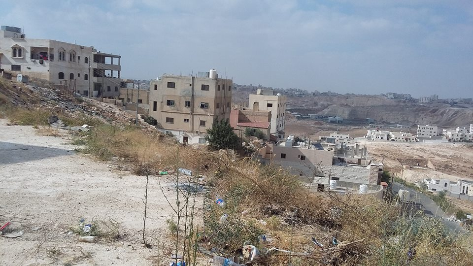 ارض سكنية بالمنامة 450 متر زاوية شارعين فقط 90 الف درهم-  الأردن   عمان ارض للبيع...
