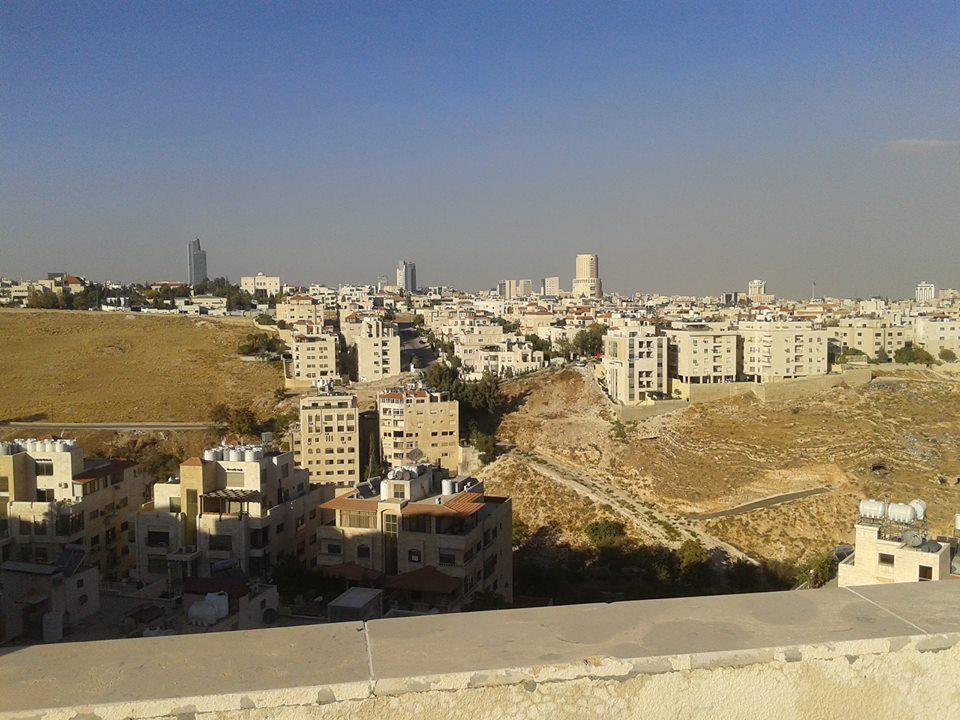 للايجار شقة غرفة وصالة في معسكر ال نهيان شارع الدفاع-  الأردن   عمّان استوديوهات...