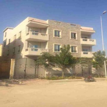 - كود 12 للبيع في الشيخ زايد الحي التاسع بدروم وارضي  المساحه 372...