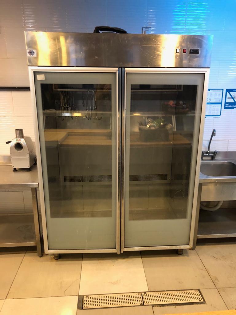 lg latest model fridge with 2doors side by side with water dispenser-  ثلاجات عرض بحالة الوكالة...