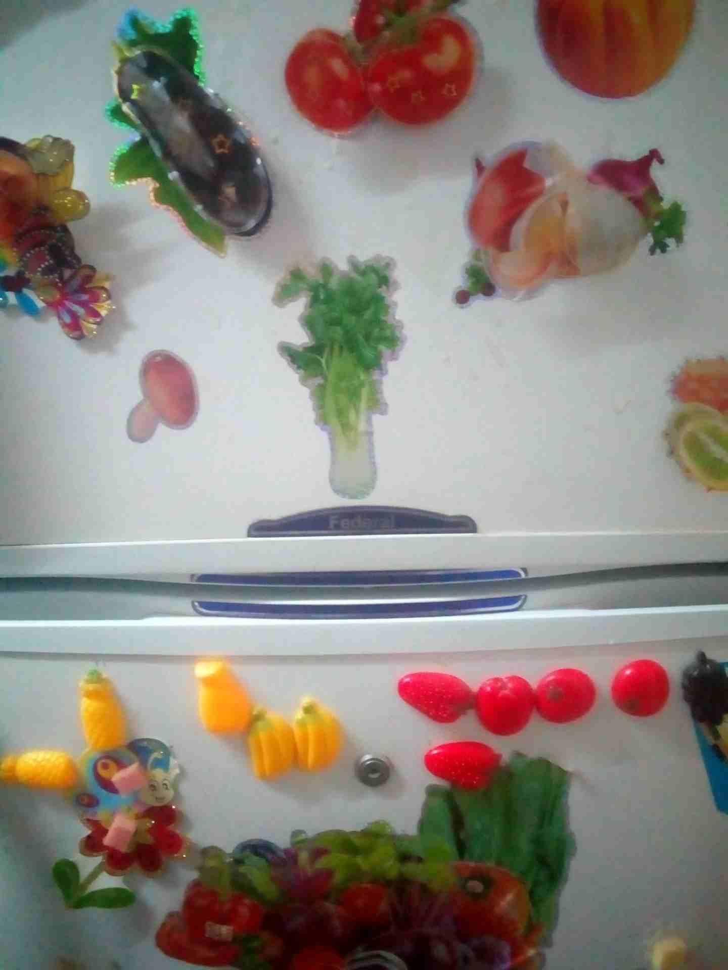 lg latest model fridge with 2doors side by side with water dispenser-  ثلاجة بحالة ممتازة نوع...