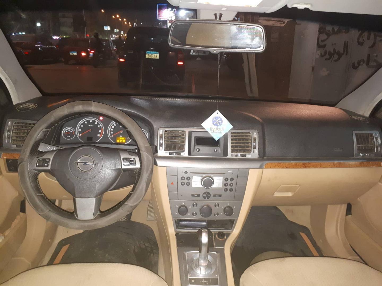 تويوتا افالون 3.5L Limited Premium 2010 مستعملة-  أوبل فيكترا سي إليجانس...
