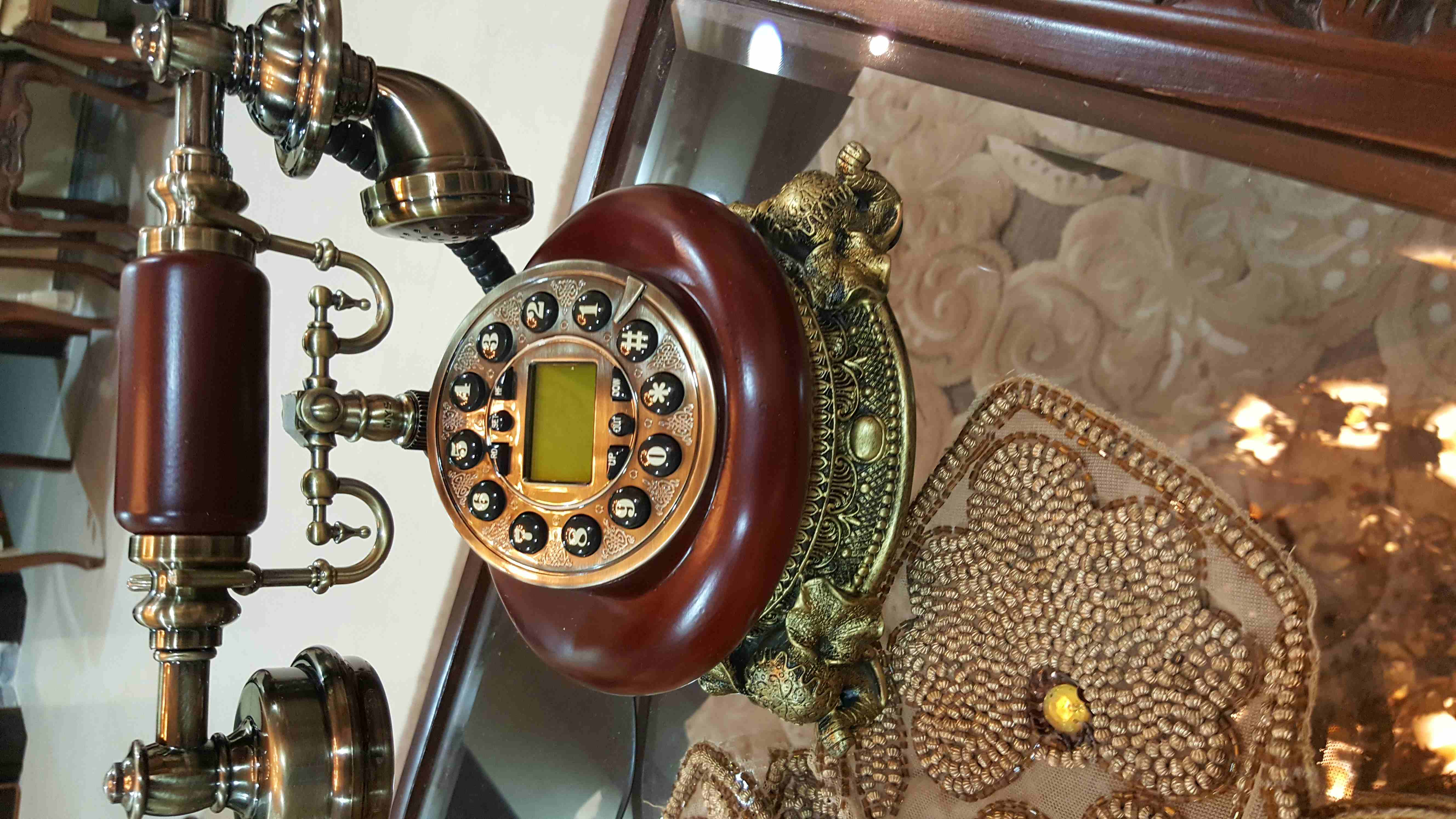 تلفونات  ارضيه باشكال جميله...