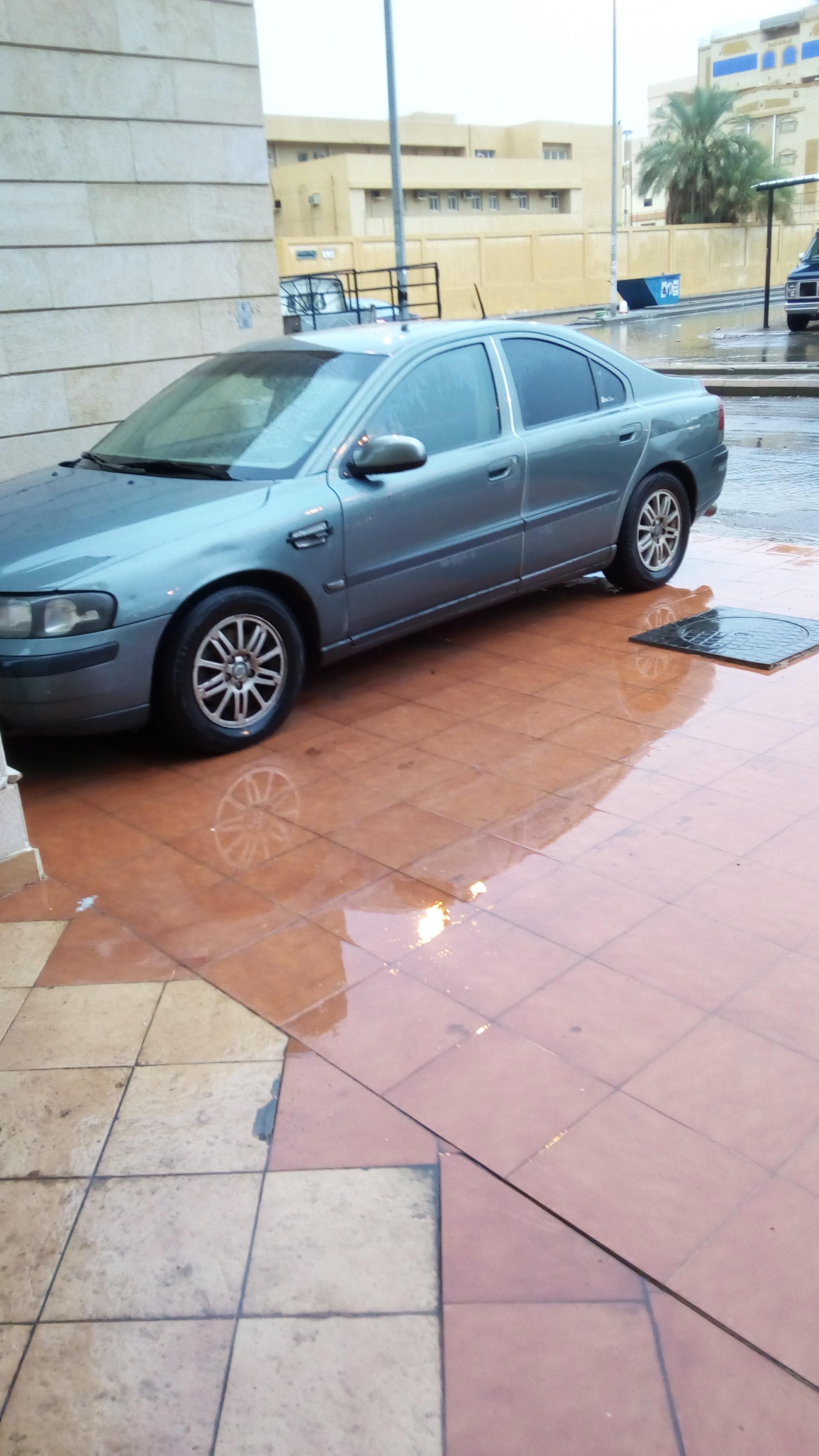 فورد موستانج كوبيه 2012 مستعملة-  سيارة فولفو S60 قمة...