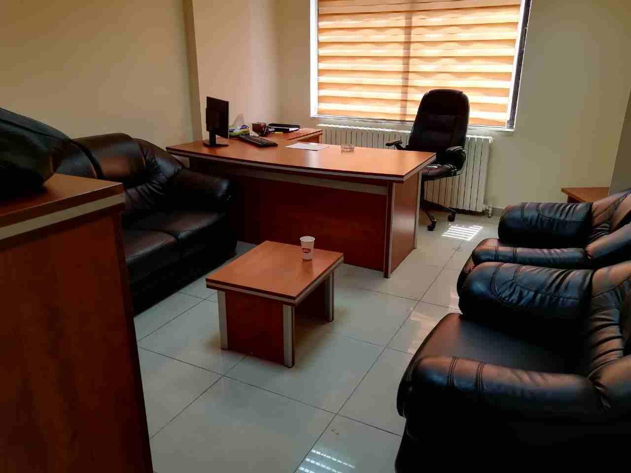 شراء المكاتب والكراسي والمكيفات بافضل...