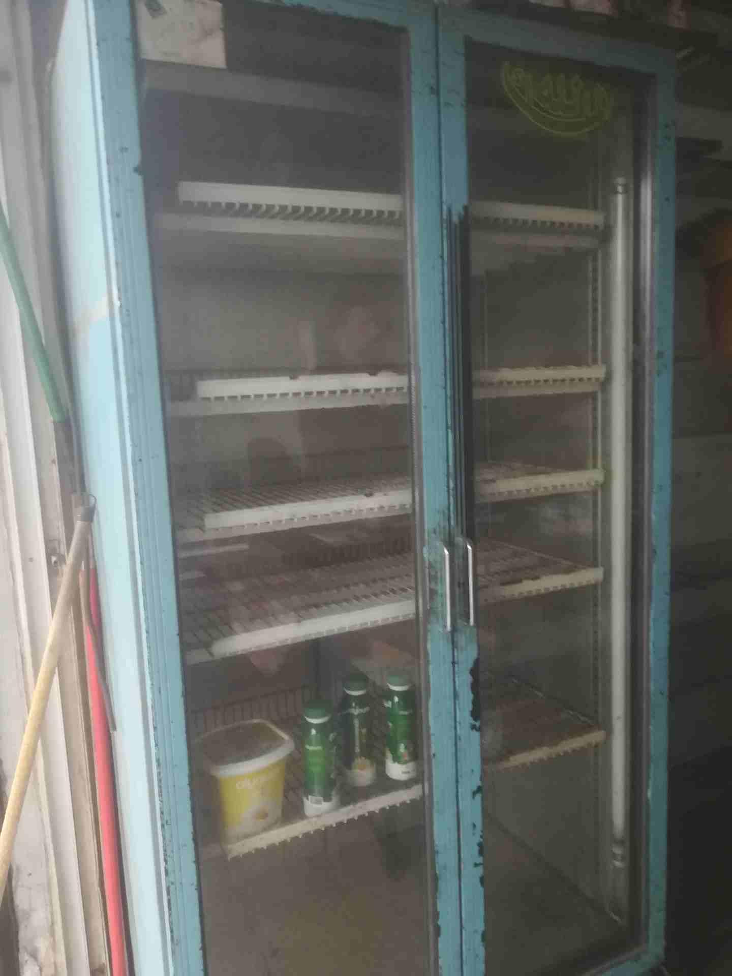 Hitachi latest model fridge with 2 doors up and down-  ثلاجه عرض بابين شغاله...