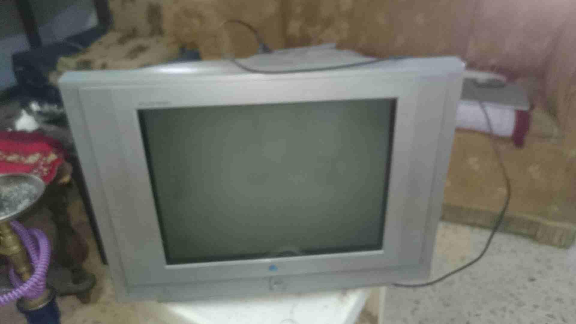 Tv for sale-  تلفزيونات للبيع لا تنسَ...