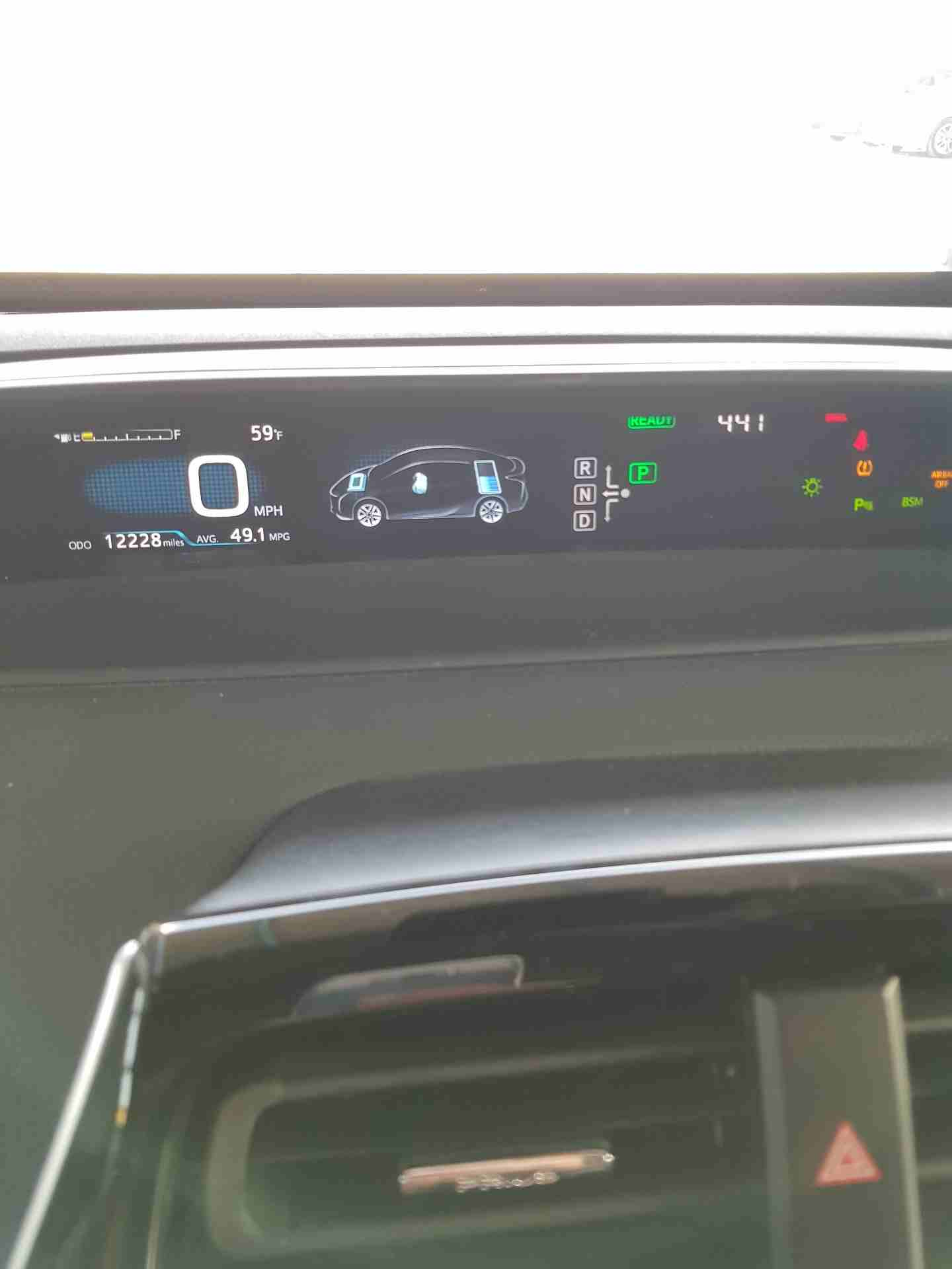 مستعملة فولكس فاجن تيغوان 2.0T Wagon 2009-  تويوتا بريوس 2017 لا تنسَ...