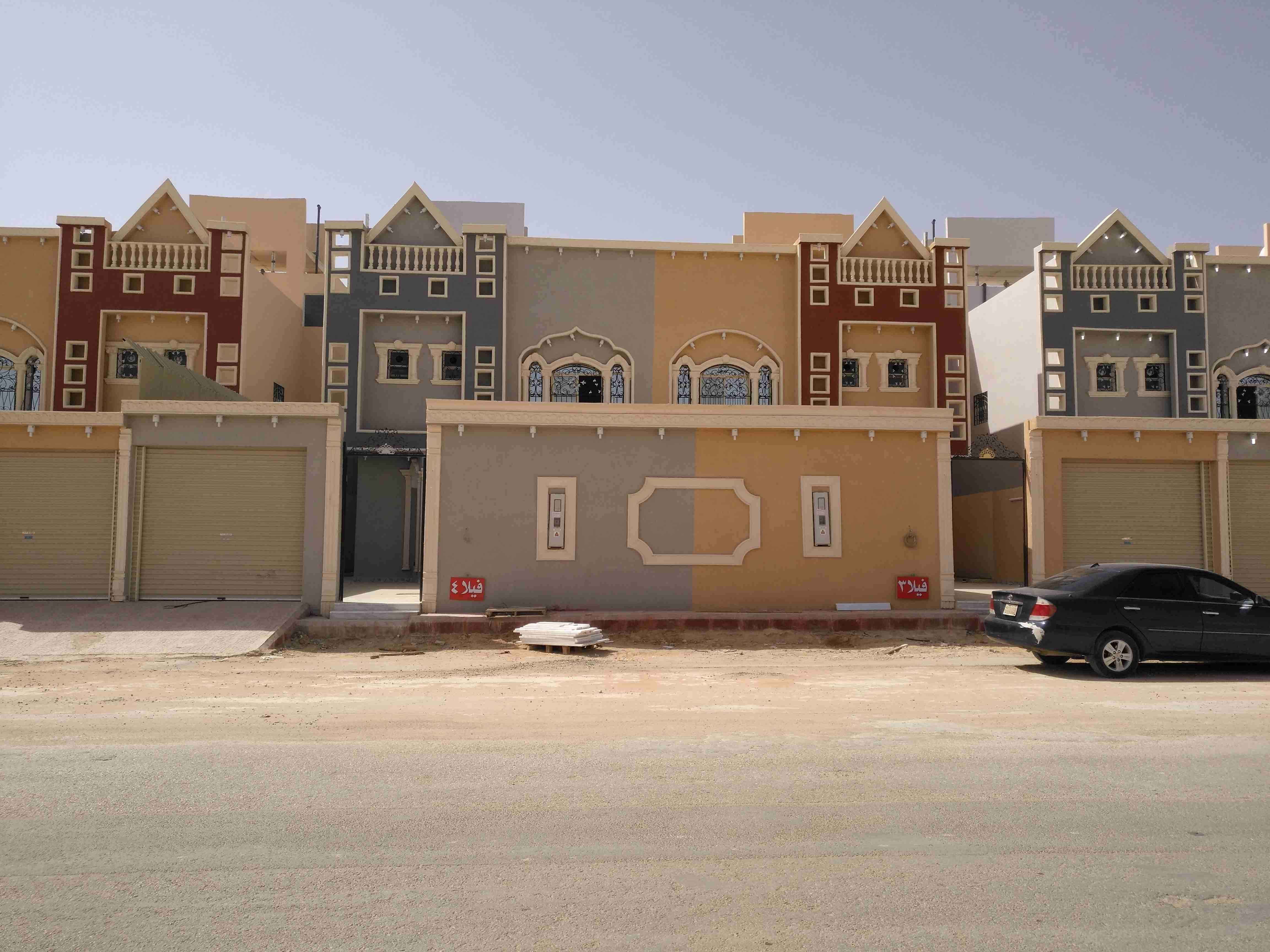 فيلا سكنية في إمارة عجمان منطقة مصفوت جديده اول ساكن QR-  فيلا للبيع دبلكس درج صالة...