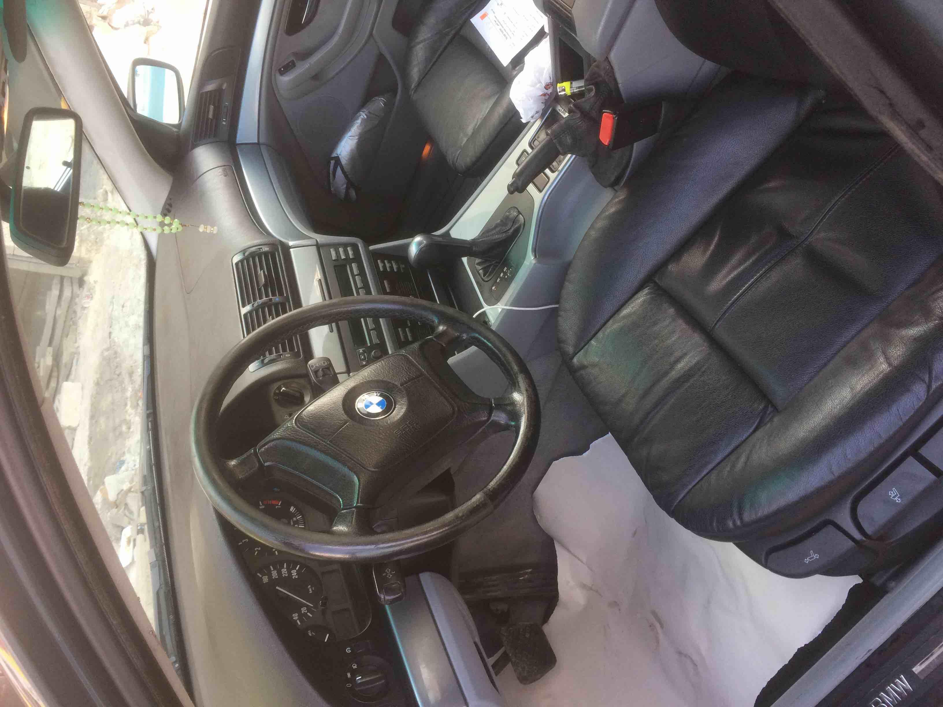 تويوتا كامري 2012 مستعملة-  سياره bmw ٥٢٠ دب فحص كامل...
