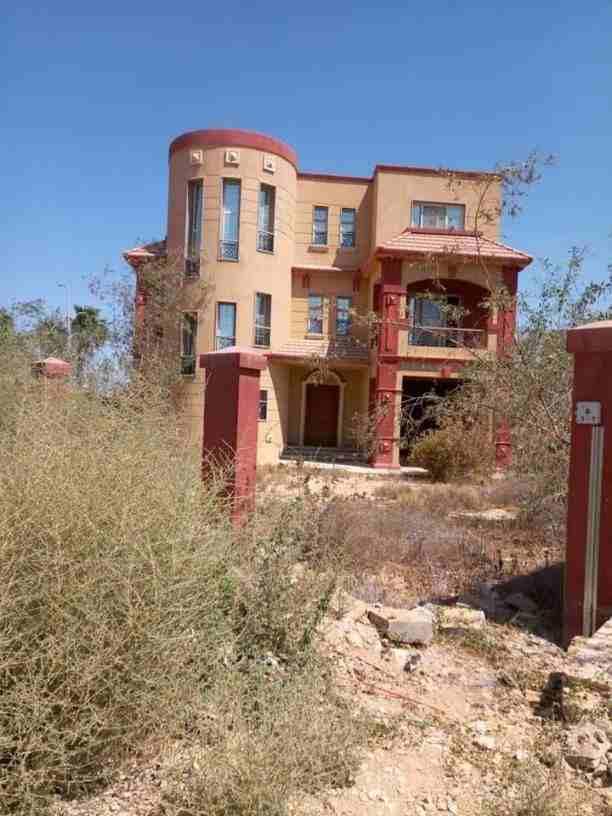 فيلا سكنية في إمارة عجمان منطقة مصفوت (K B H ) QR-  كود 74 فيلا للبيع مساحة...