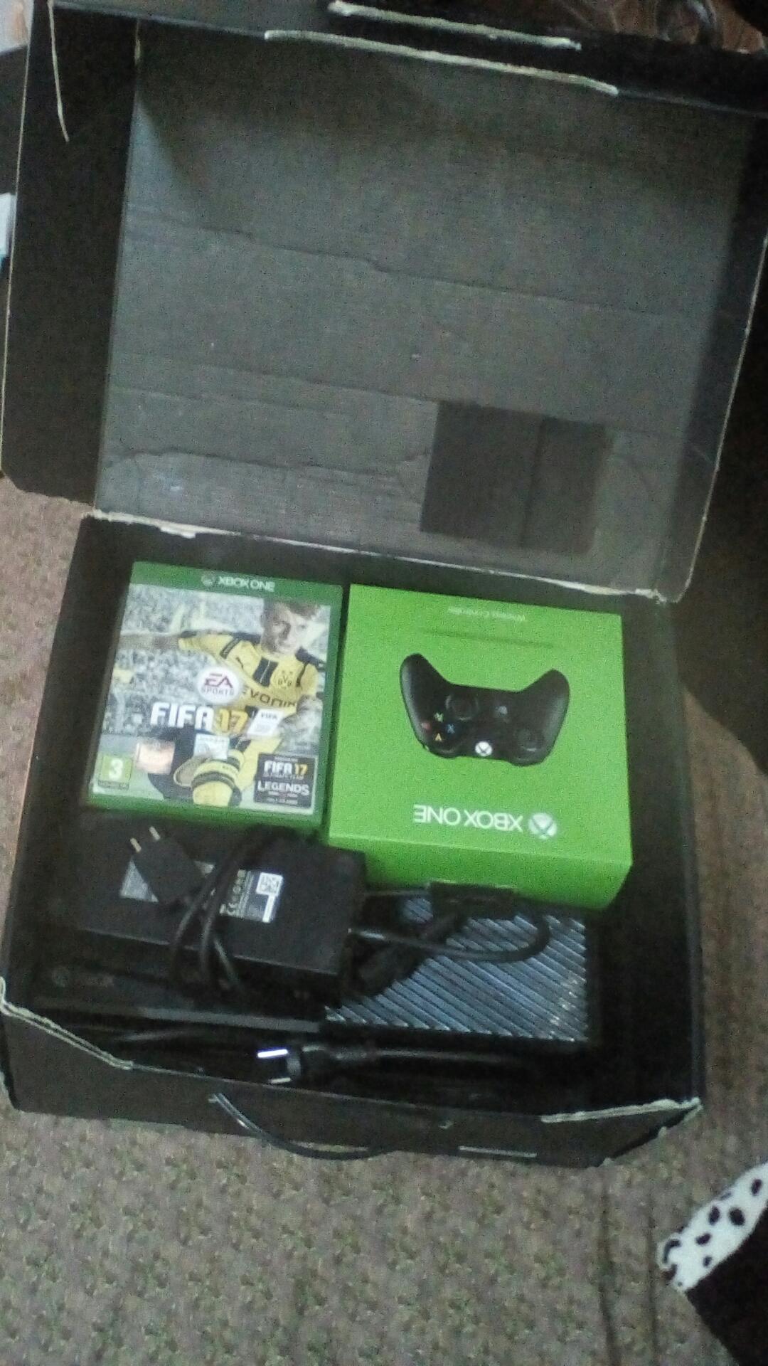 ايفون x s 256 سلفر-  Xbox One console Elite...
