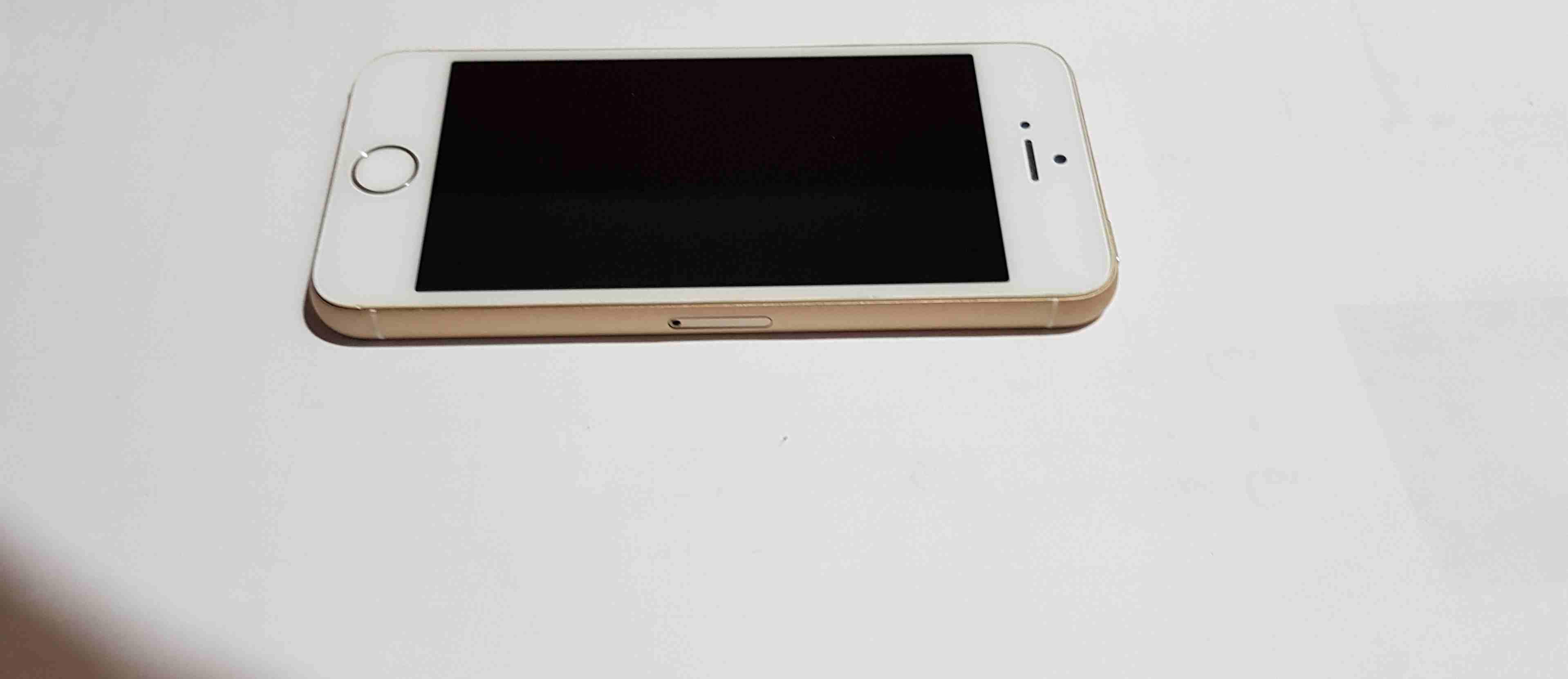 Apple Iphone 8 256GB GOLD COLOUR-  ايفون 5S لا تنسَ أنك...