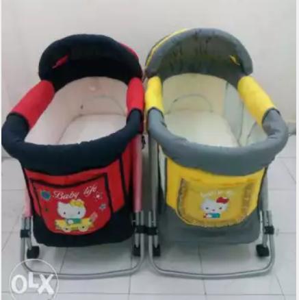 -                          سرير اطفال مع امكانية التوصيل...