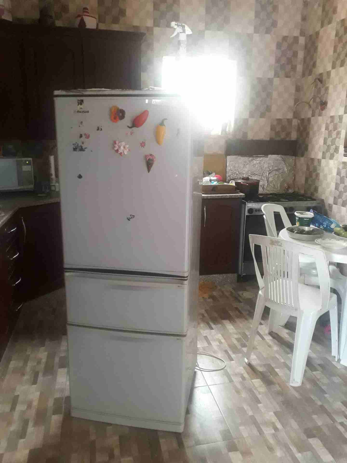 LG latest model fridge with 2doors up and down-  ثلاجه للبيع لا تنسَ أنك...