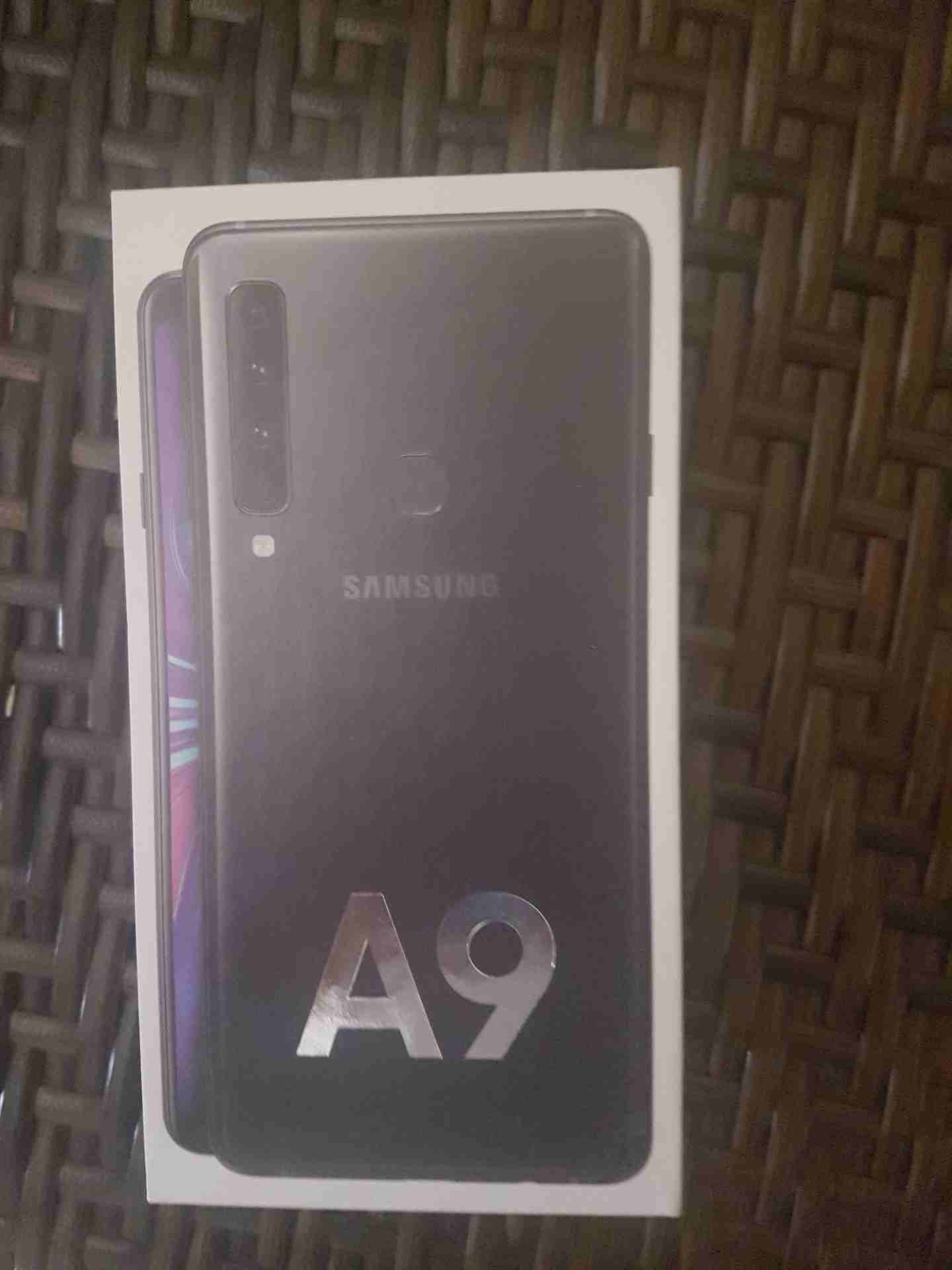 iphone x 256gb-  galaxy a9 جديد بالكرتونة...