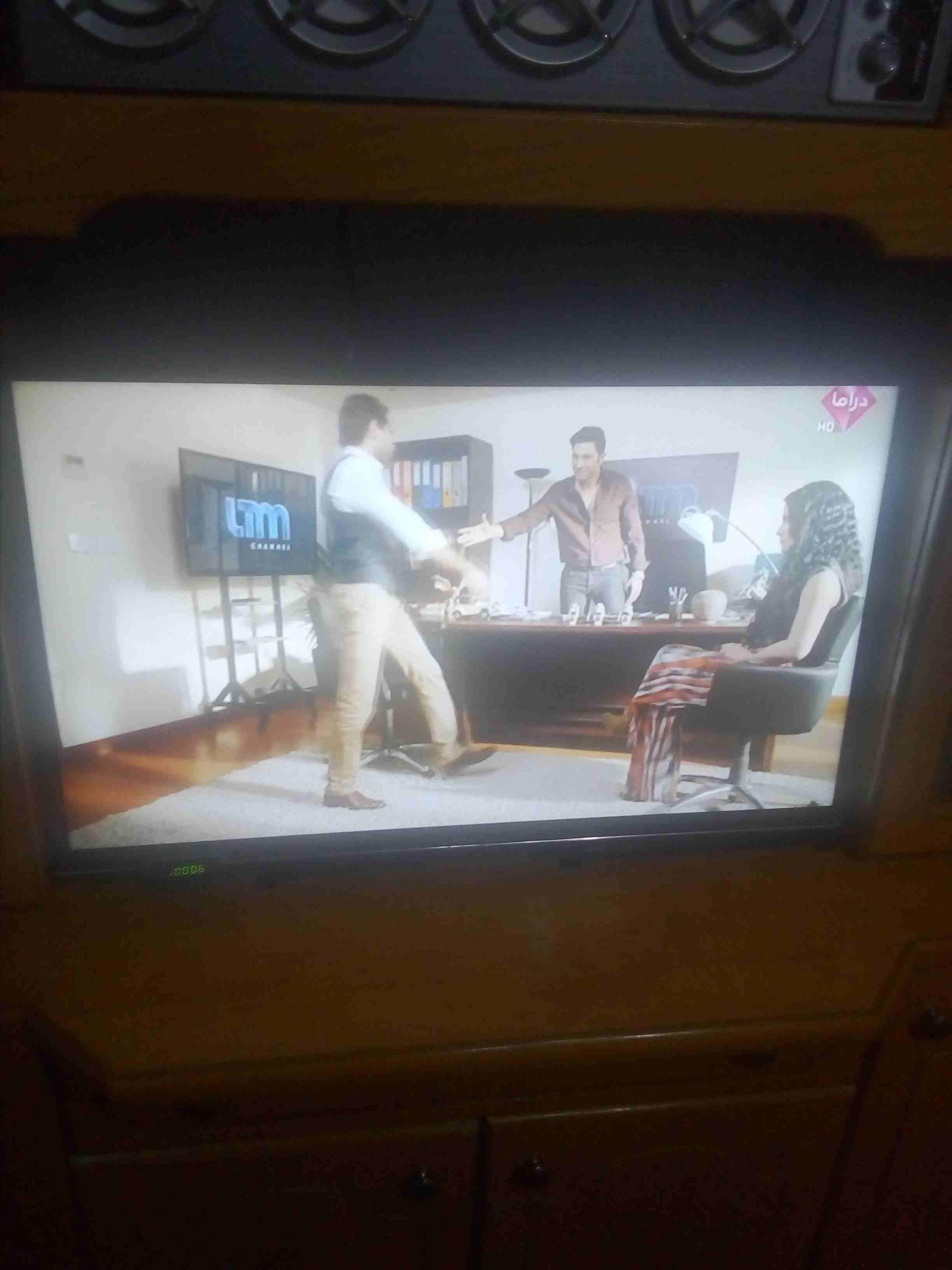 تلفزيون توشيبا 32 بوصه مستعمل مافيه اي عيب-  شاشه للبيع لا تنسَ أنك...