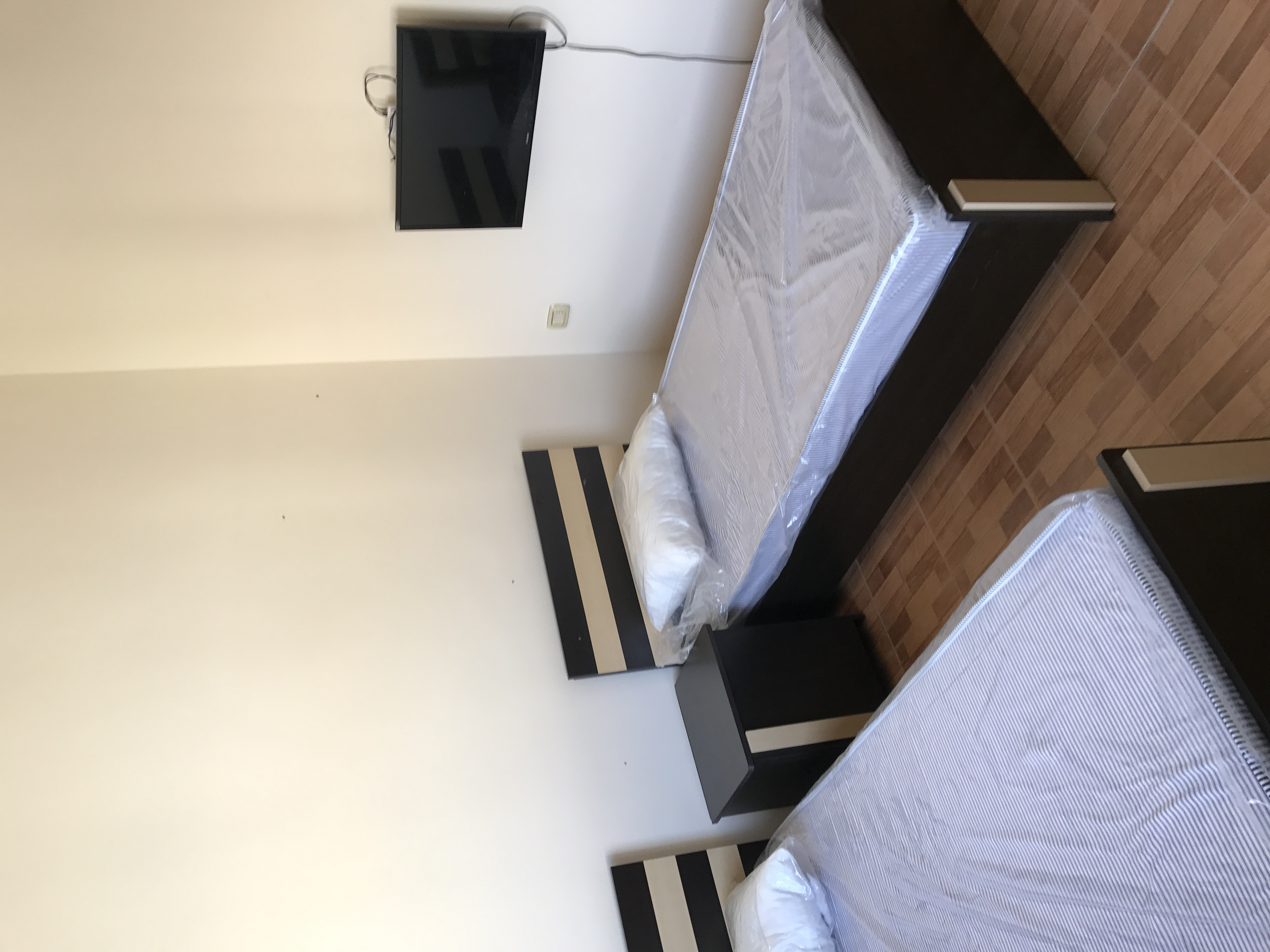 Brand new 1 BHK With 2/bathroom in bain aljesraen (Rabdan area)-  شقة مفروشة للايجار في...
