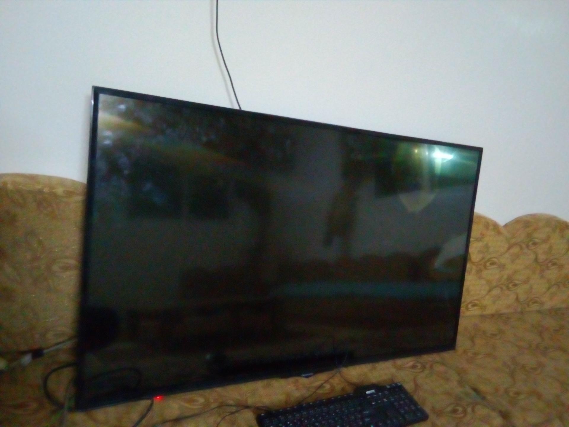 samsung monitor 27 insh شاشة مكتب سامسونج 27 بوصة-  شاشه مكسوره 50 بوصه للبيع...