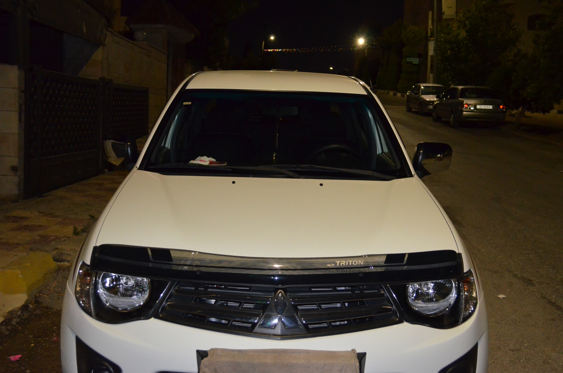I want to sell my very neatly Used Lexus LX 570 2019 for just $30,000 USD. The car is absolutely fresh and ready to be used, nothing to worry about it is in per-  l200 بنزين من الوكاله...