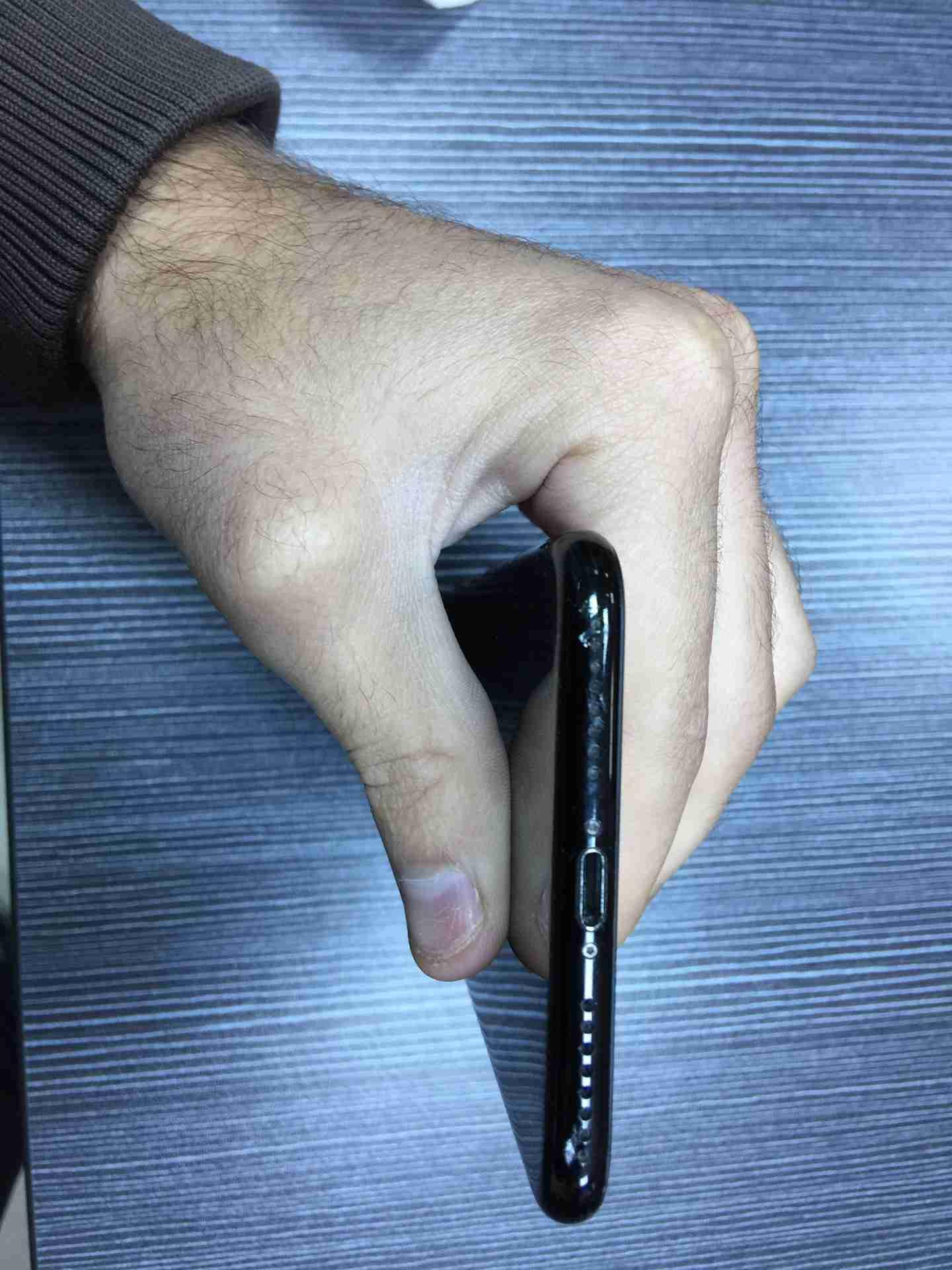 iPhone 11 64GB - $ 650 USDiPhone 11 128GB - $ 710 USDiPhone 11 256GB - $ 770 USDiPhone 11 Pro 64GB - $ 720 USDiPhone 11 Pro 256GB - $ 750 USDiPhone 11 Pro 512GB-  ايفون 7 بلس 128 جيجا...