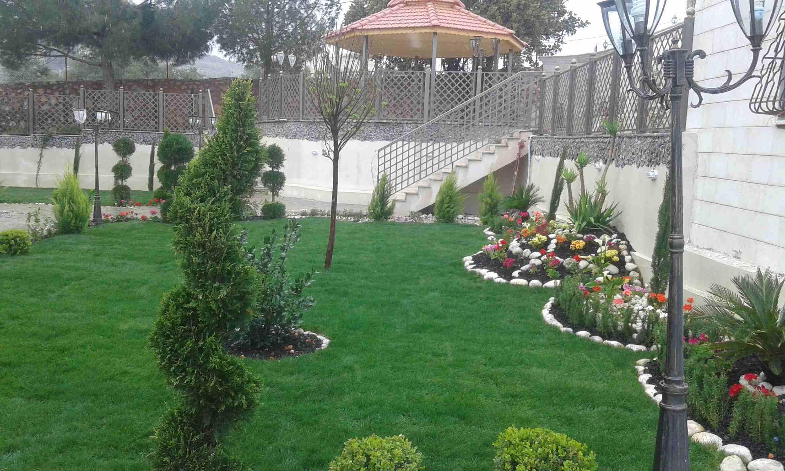 أعمال زراعة وتنسيق الحدائق...