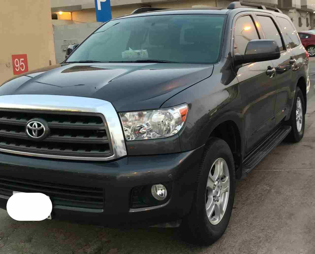 2015 Toyota FJ Cruiser for sale, still very clean in and out. The car is in good and perfect condition, The car has perfect tires and it is GCC Specs. Intereste-  تويوتا سوكويا نظيف جدا...