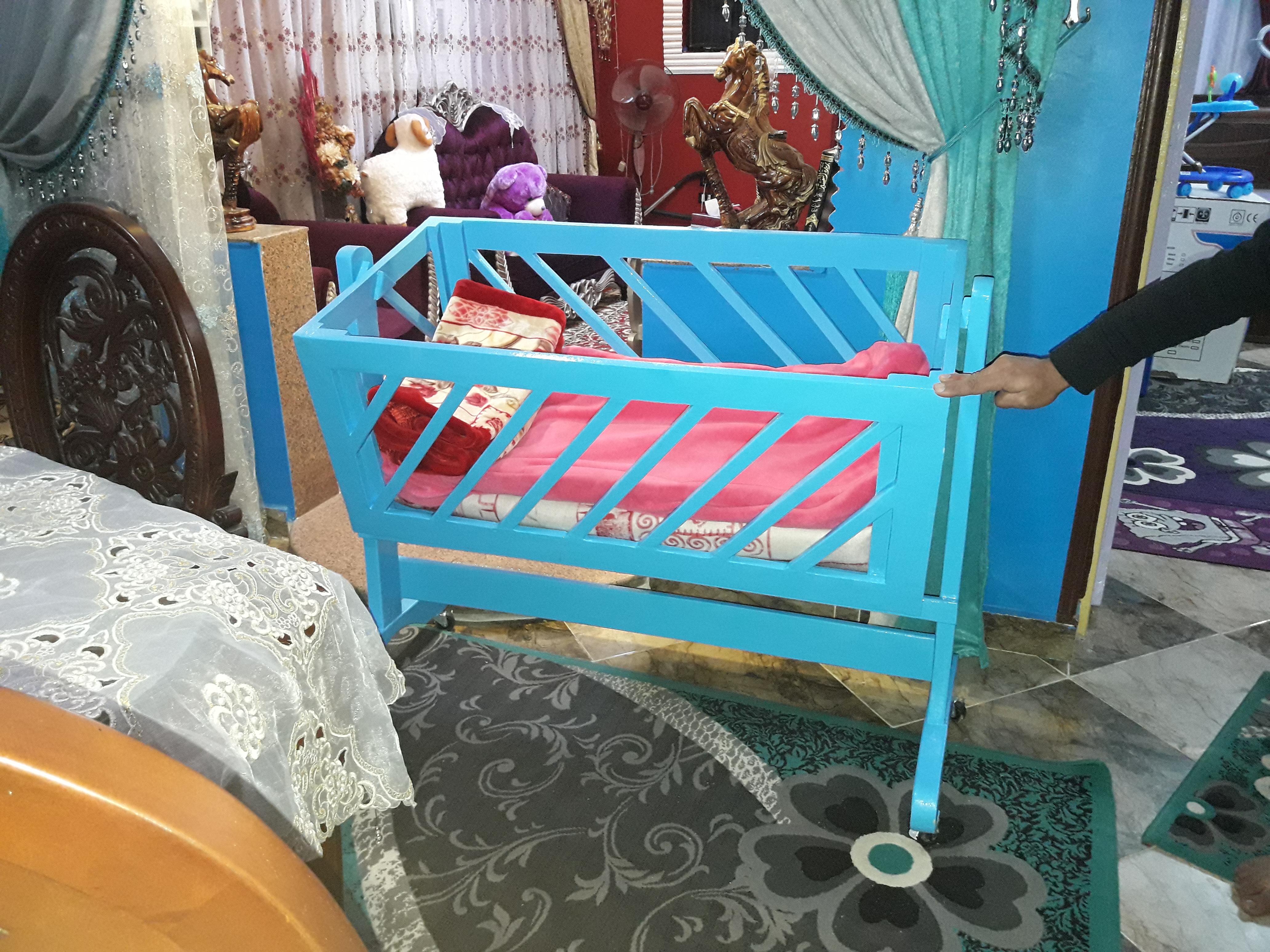 سرير اطفال هزاز...