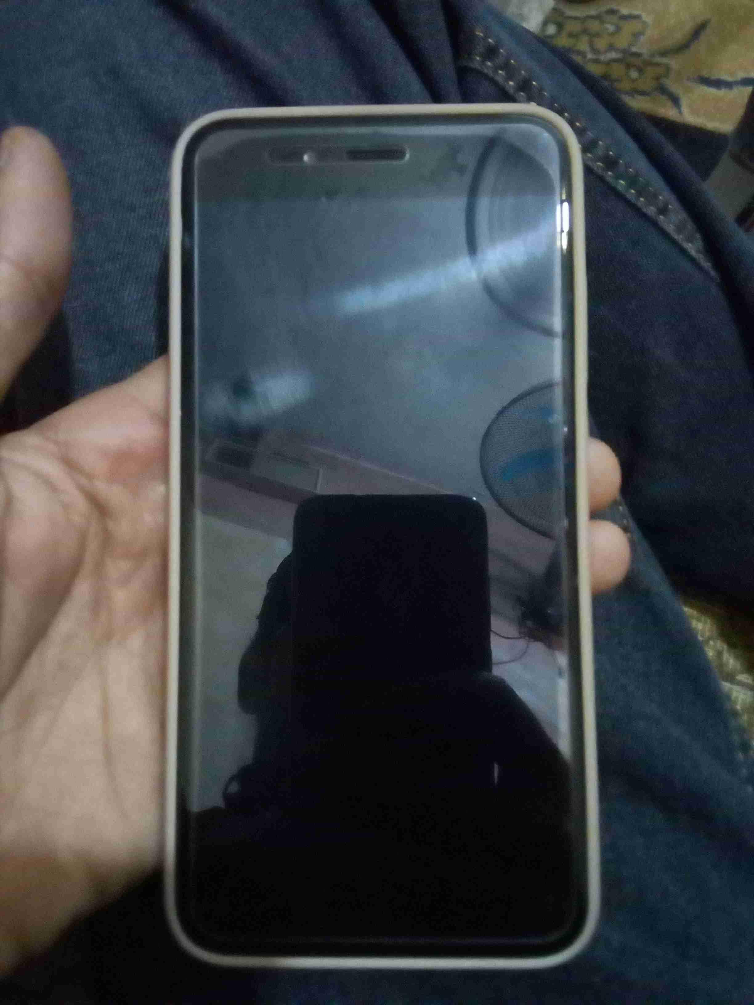Apple iPhone 12 Pro 128GB cost$700USD, iPhone 12 Pro Max 128GB cost $750USD, iPhone 12 64GB cost $550USD, iPhone 11 Pro 64GB cost $500USD, iPhone 11 Pro M-  Xiaomi Model mi a1 لا...