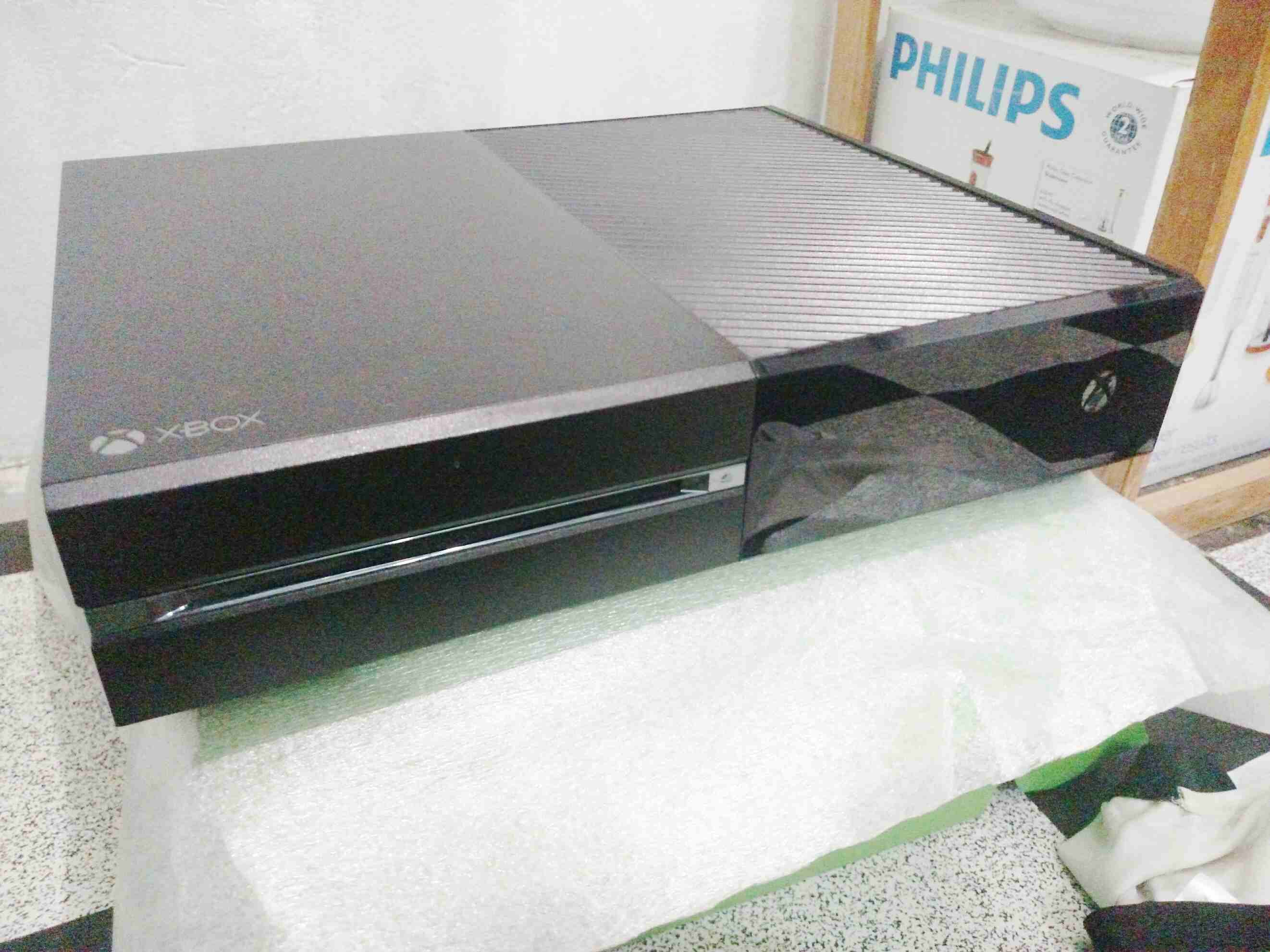 xbox One (Mint Condition wit 02...