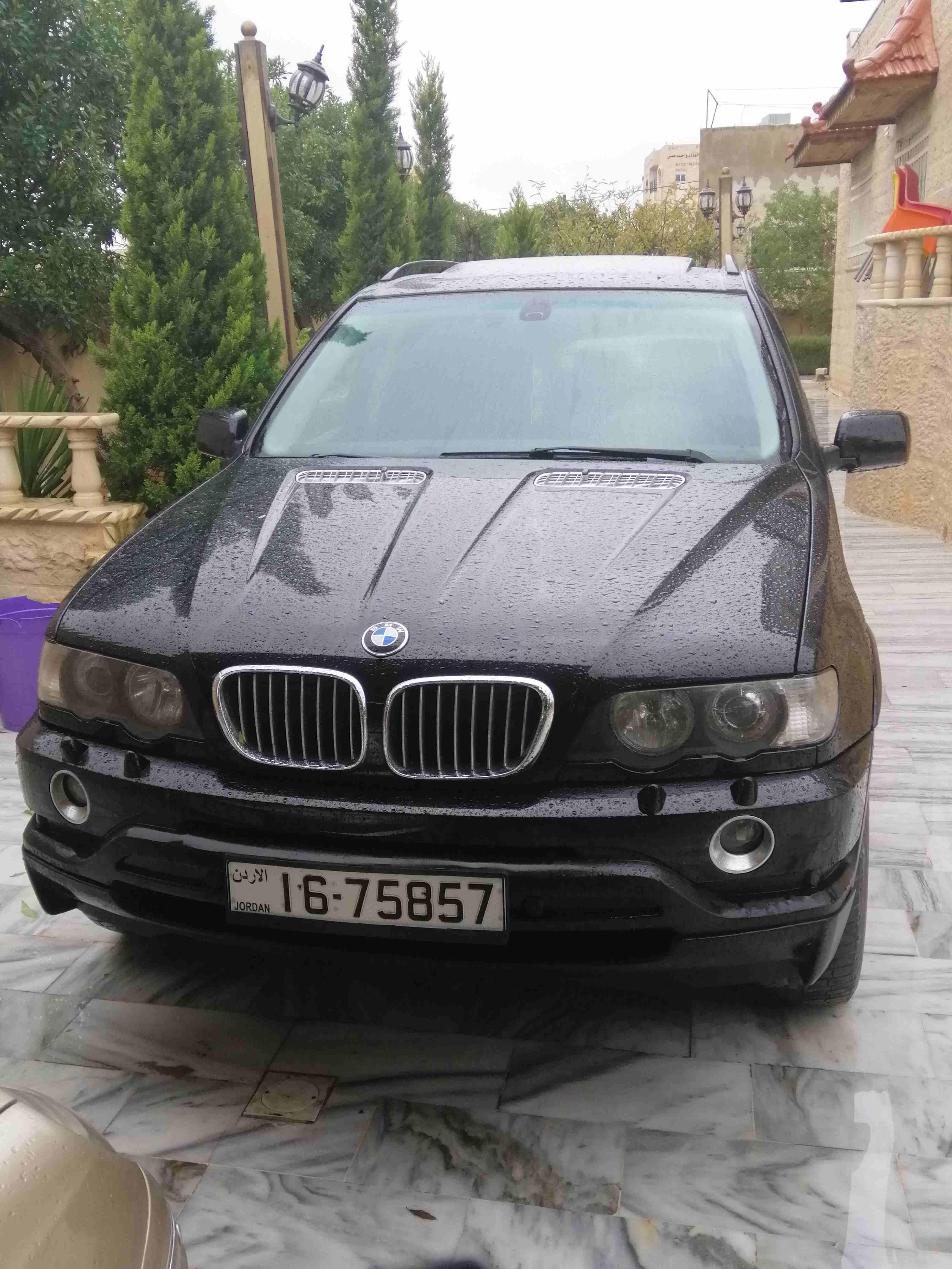 للبيع مرسدس 2010 نظيف جدا صبغ وكااااالة E350-  بي ام x5 فل الفل 2003 لا...
