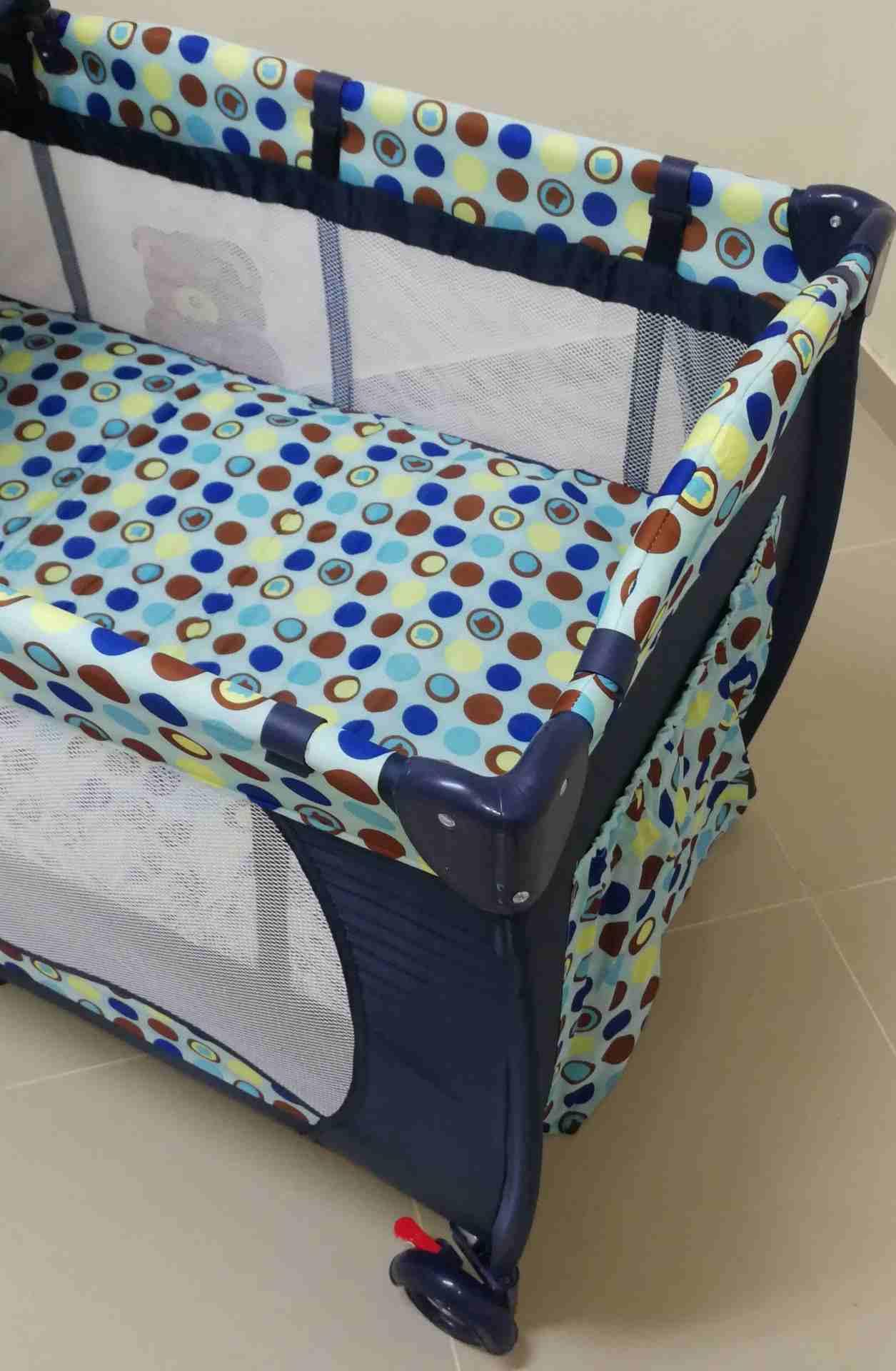 سرير أطفال جديد...