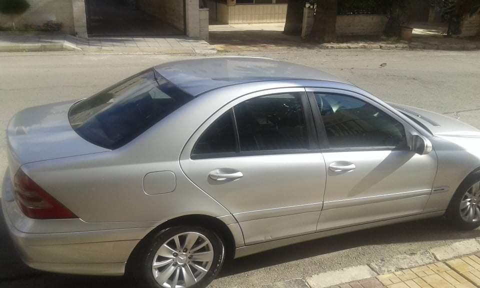 Interested buyer WhatsApp: +12092482254Email: yaissaallah@gmail.comI want to sell My LEXUS LX570 2017 MODEL for Ramadan , the car is neatly used and well mainta-  مرسيدس 2004من المالك فل...