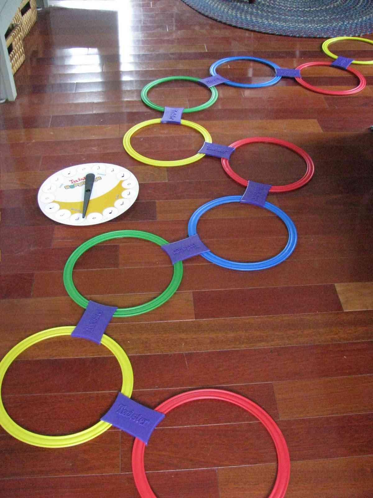 Toys for kids-  حلقات لعبة التويست للمرح...