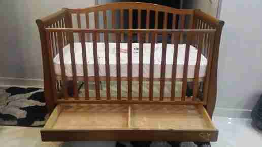 سرير اطفال لحد خمس سنوات من منتجات هوم...