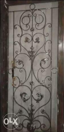 أبواب حديد للمنزل