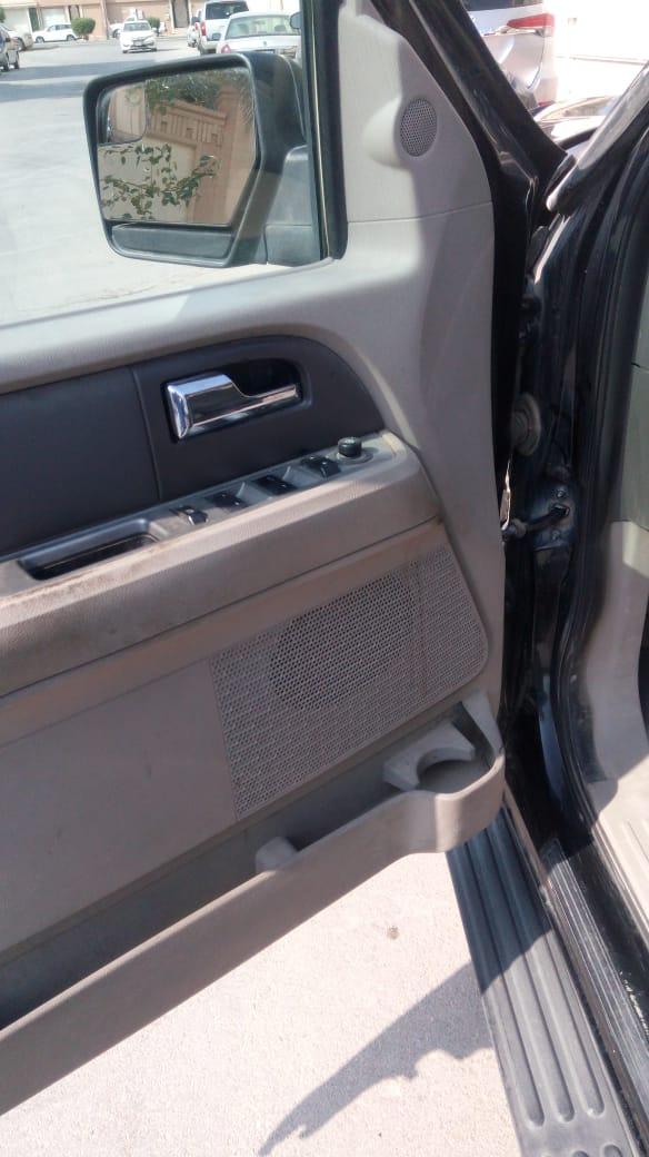 مرسيدس بنز الفئة سي C 200 2015 مستعملة-  سيارة فورد اكسبيديشن 2013...