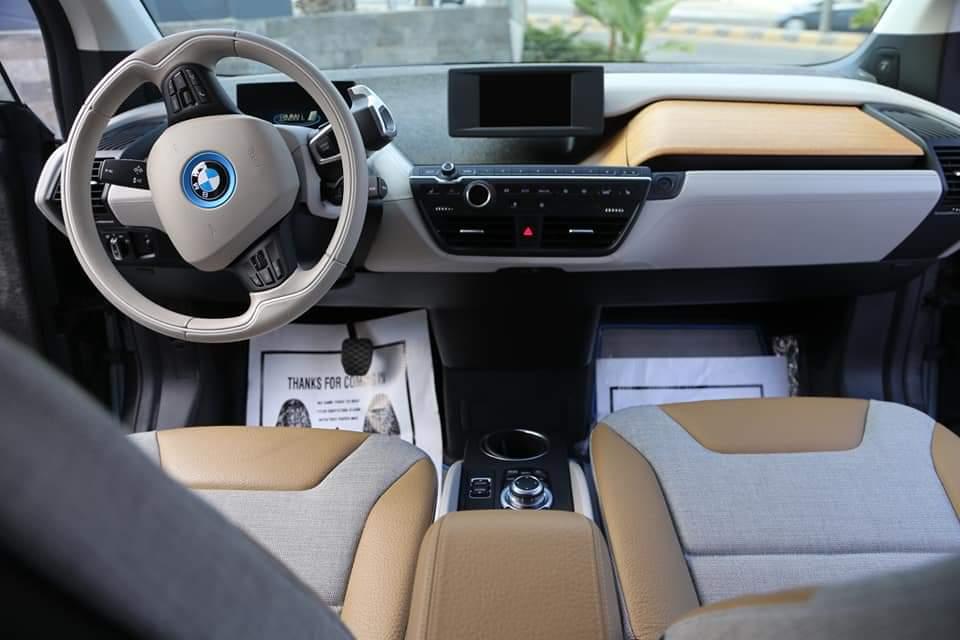 دودج تشالنجر 6.4L R/T Scatpack Widebody 2018 مستعملة-  BMW I3 2014 rex لا تنسَ...