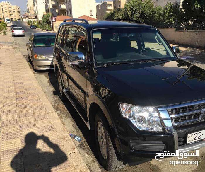 Lexus Rx 350 SUV 2018 GCC is very clean like brand new with warranty,Red 2018 model, This car has automatic transmission.GCC specs.CONTACT EMAIL: Mrharry1931@gm-  باجيرو 2016، من الوكالة،...