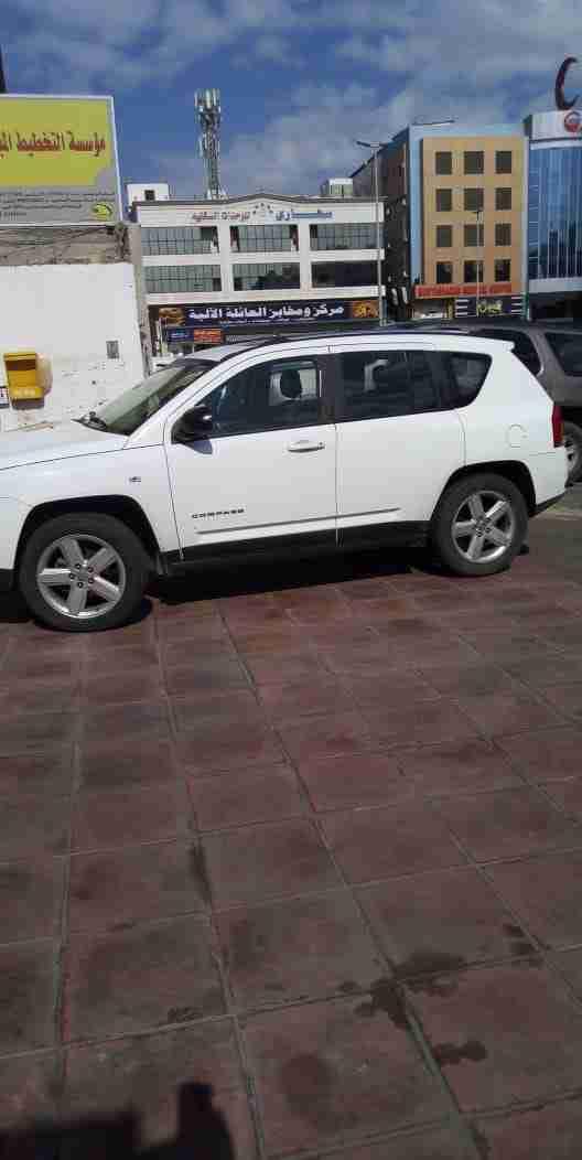 buy and drive , gulf editiongulf model lx570 2017owner whatsapp: +33758885601-  جيب بحاله جيدة لا تنسَ...