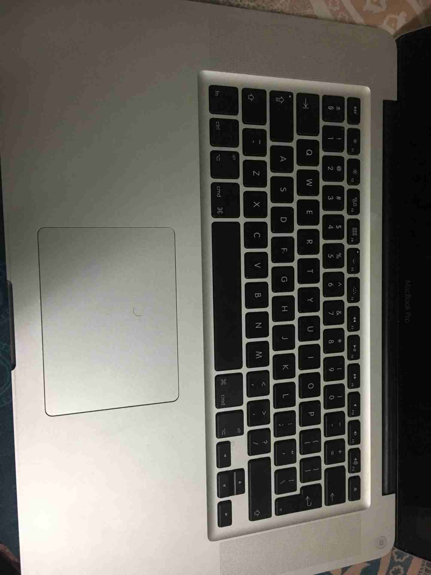 """Apple Macbook AIR11""""inch core i5-  MacBook i7 2012 لا تنسَ..."""