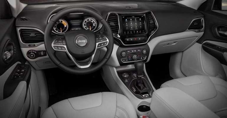 نيسان سنترا 1.6L S 2014 مستعملة-  Jeep compass limeted plus...