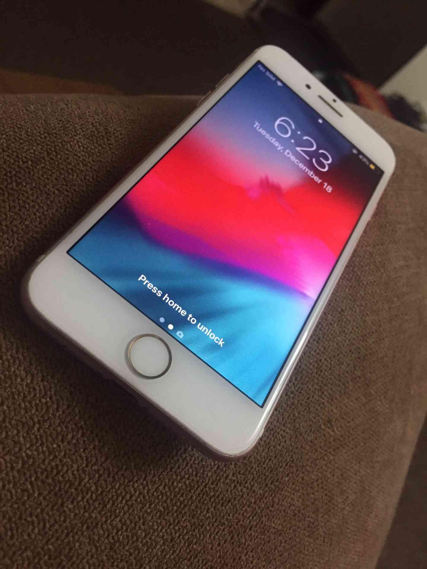 iphone XS 512 GB + Airpods-  ايفون 7 32 جيجاا للبيع...