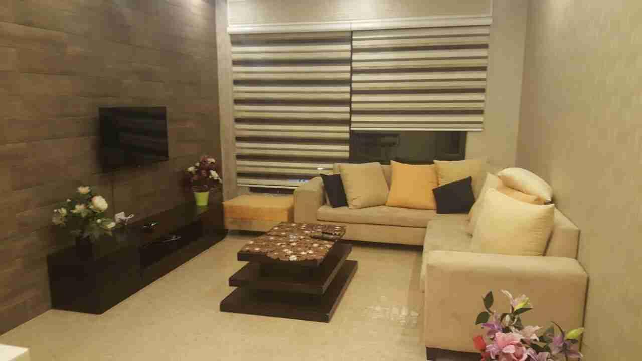 استوديو كبير ونظيف-  شقة طابق اول * للايجار...