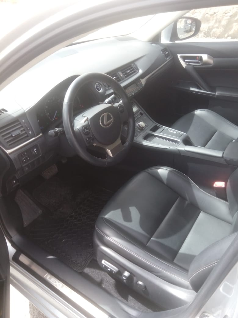 I am selling my neatly used 2017 Lexus lx 570, no accident and full option, expertly used, Gulf specification, The car is very efficient with low mileage. Inter-  لكزس CT موديل 2015 حره...